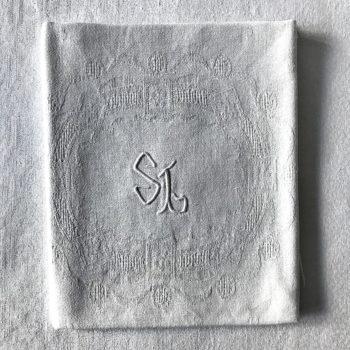 Serviettes monogrammées