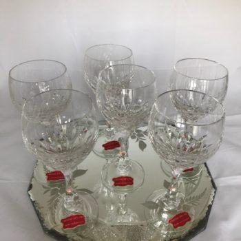 Six verres à eau en cristal taillé