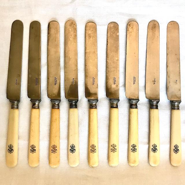 Couteaux anciens en ivoire