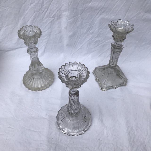 Bougeoirs en verre ancien