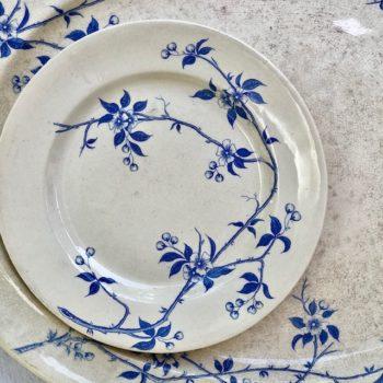 Assiette plate en terre de fer bleue
