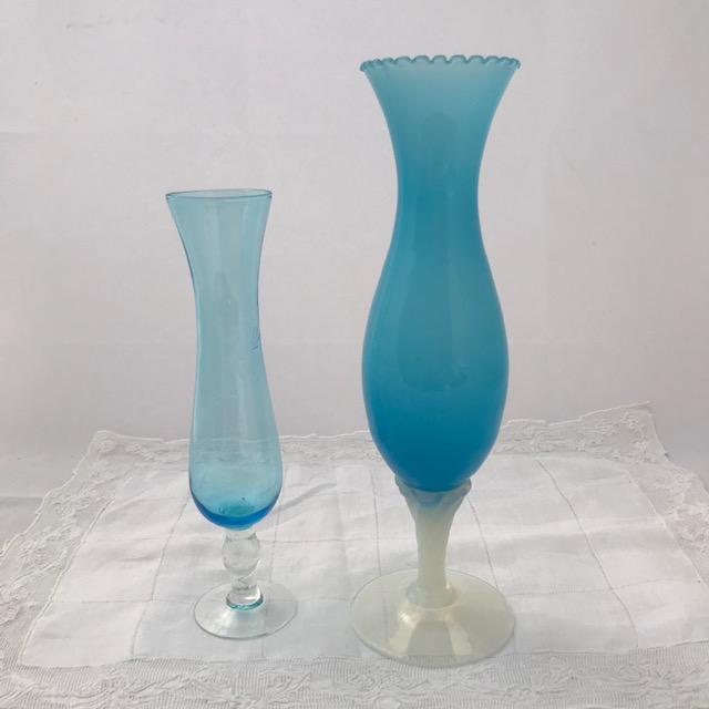 Lot de deux vases