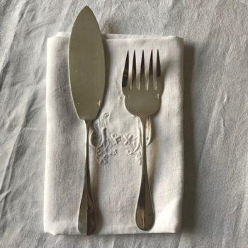 Fourchette et couteau à servir le poisson Christofle