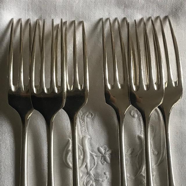 Six fourchettes Christofle