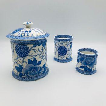 Trois pots Creil et Montereau, modèle Pivoines