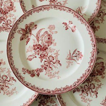 Fontanges, assiettes plates