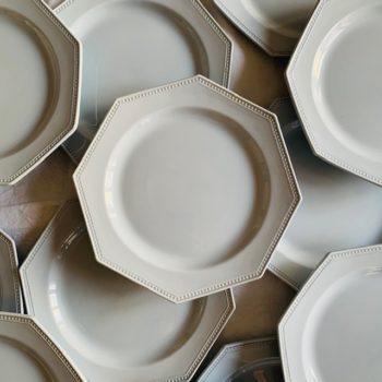 Assiettes octogonales de Montereau bleues