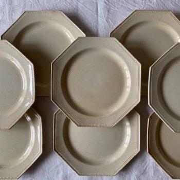 Assiettes octogonales patinées