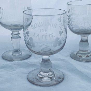 Quatre verres anciens