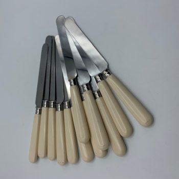 Couteaux de table vintage