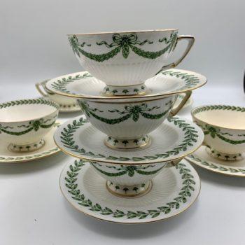 Huit tasses à thé