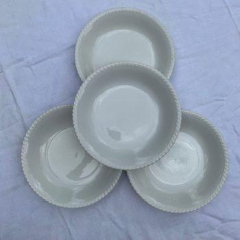 Assiettes calotte blanches