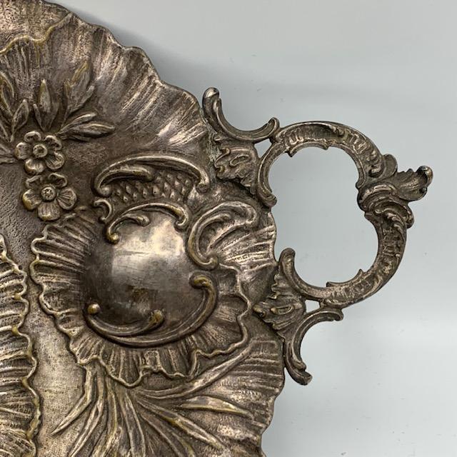 Coupe en métal