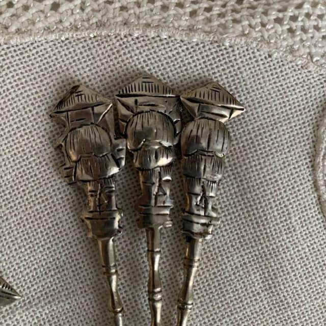 Petites cuillères en métal argenté