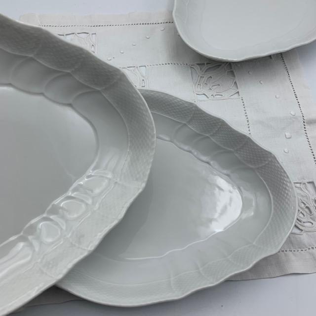 Grands raviers en porcelaine blanche vintage