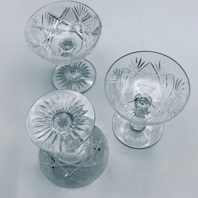 Coupes à champagne en cristal taillé