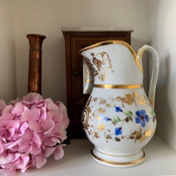 Verseuse en porcelaine de Paris à décor de fleurs